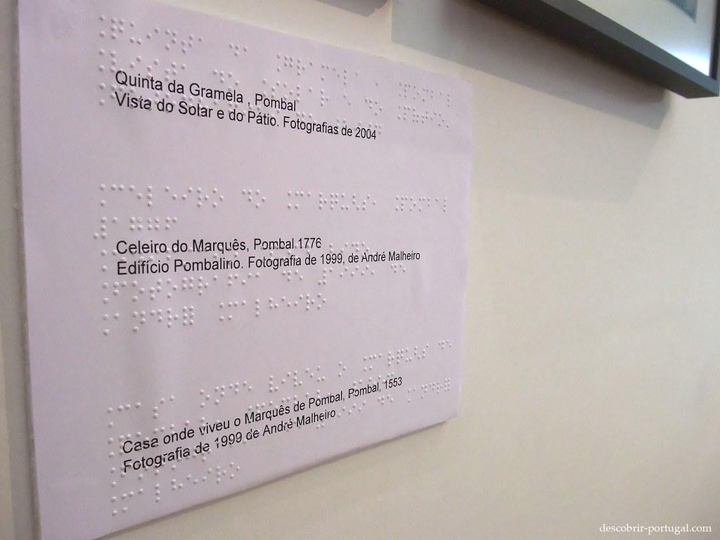 Le musée est accessible, ici un écriteau en braille