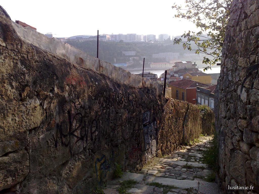 Au fond, le Douro
