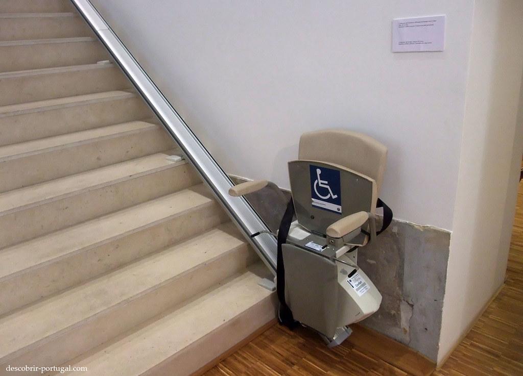Chaise pour monter les escaliers
