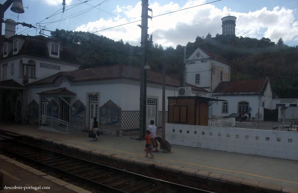 De l'autre coté de la vitre, la gare