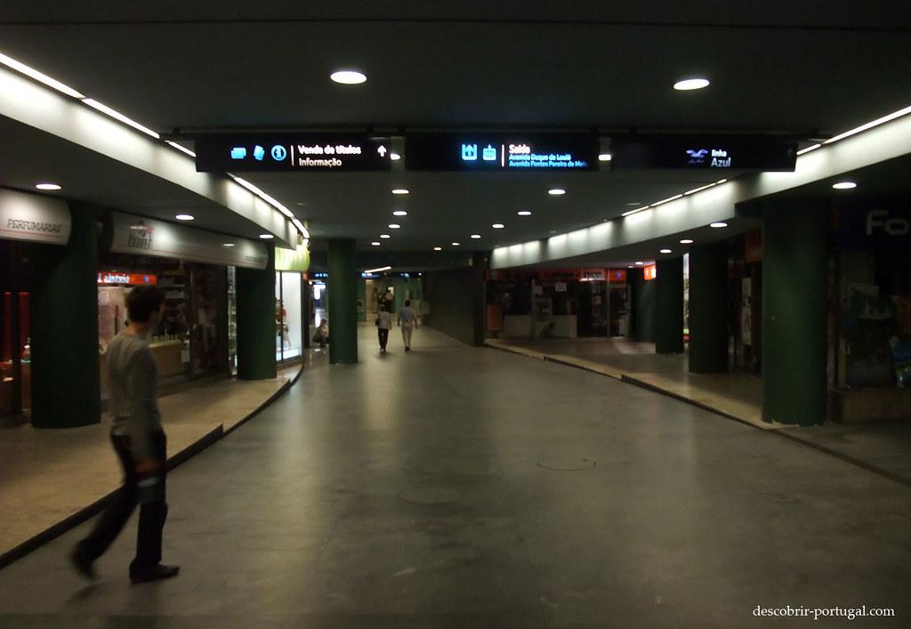 Couloirs de la station de métro