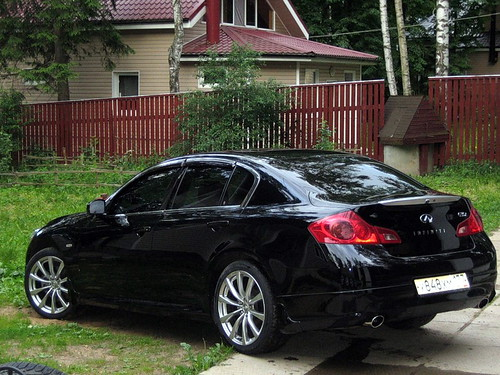 "New Infiniti G35 Coupe >> 19"" OEM Infiniti G37 Coupe vs. Infiniti G35 Sedan 
