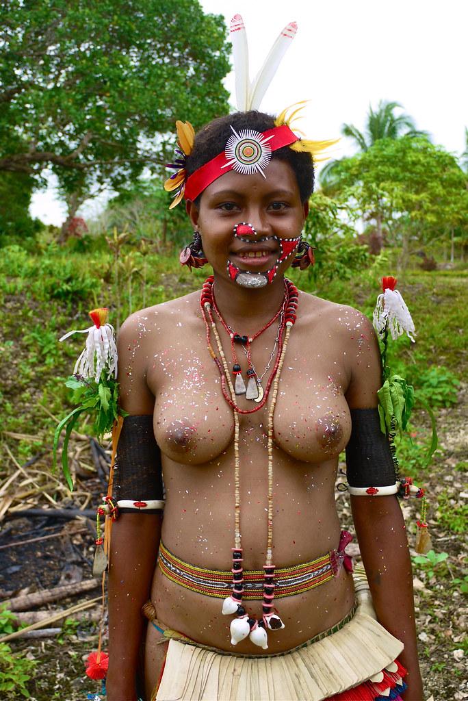 Amanda bynes perky nipples