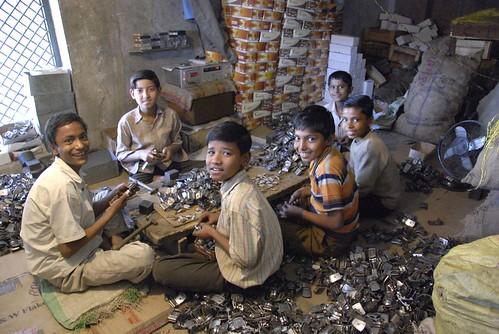 Kinderarbeid india zie blz 20 van het boek een wereld voor flickr - Scherm thuis van de wereld ...