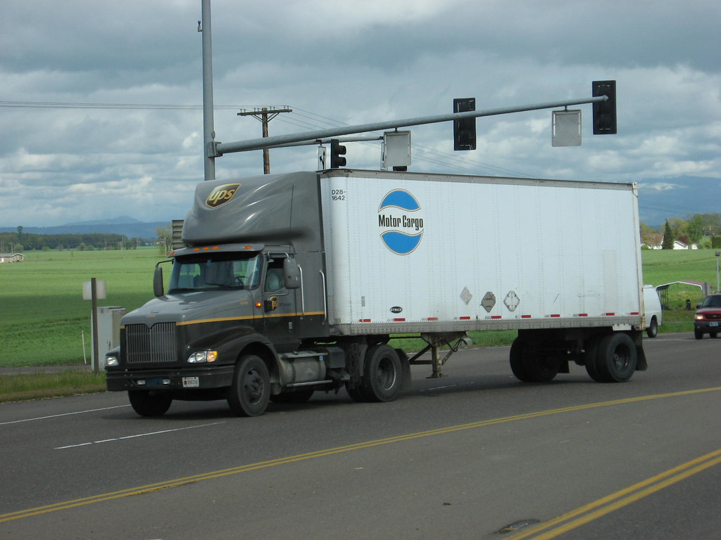 Ups Freight International 9200 With Motor Cargo Pup Flickr