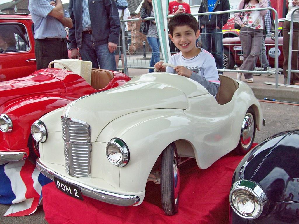 Motor World Car Factory >> 29 Austin J40 Pedal Car (1950-71)   Austin J40 Pedal Car ...