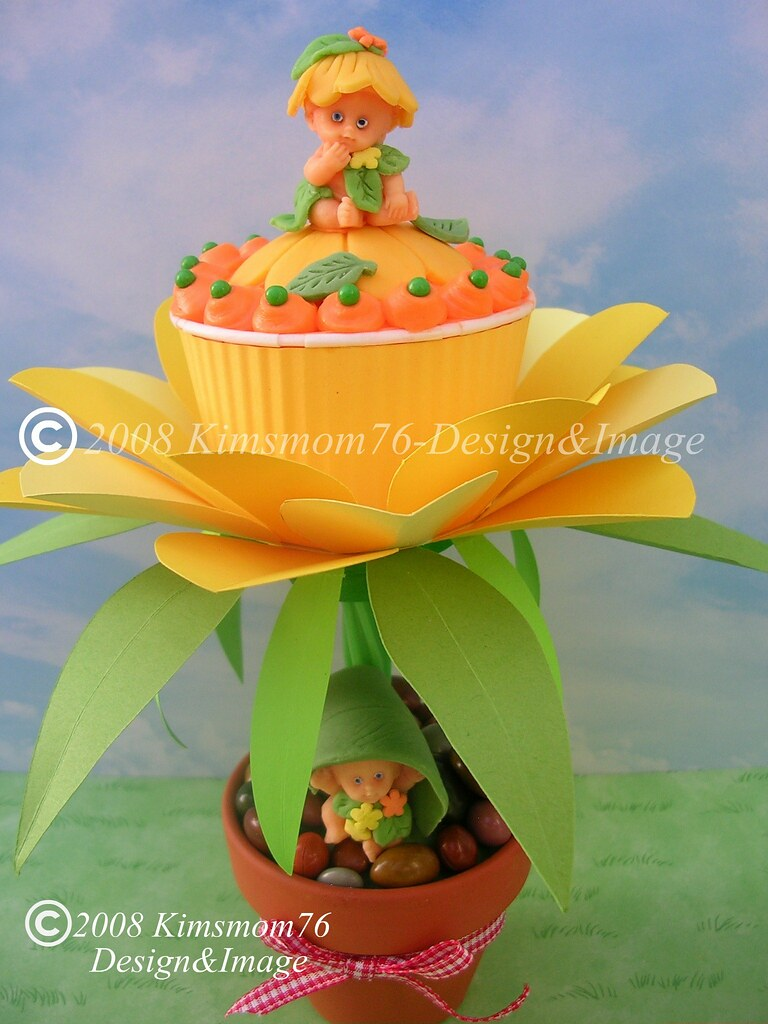 Flower Babies Cupcake   Flower babies cupcake. Buttercream w…   Flickr