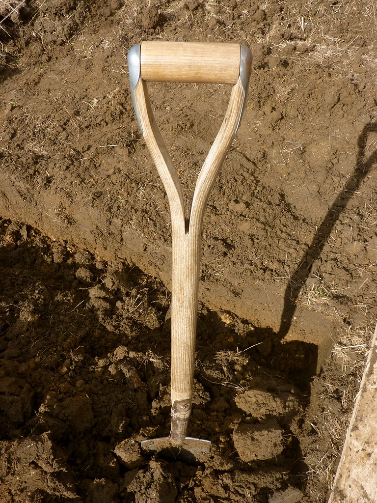 Spade in soil double digging my allotment for good for Garden soil layers
