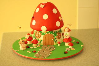Toadstool cake | by Ali's cakes