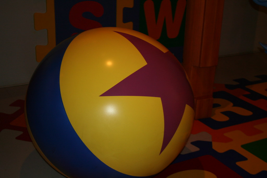 Toy Story Ball : Luxo jr ball toy story midway mania the from