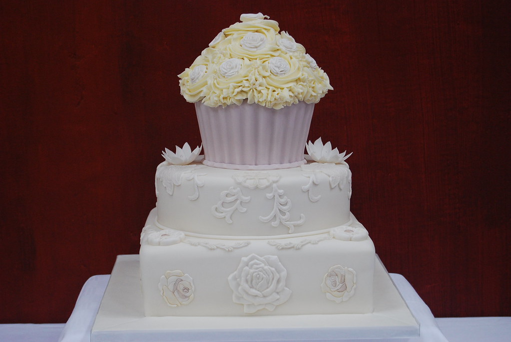 wedding cake cupcake pan wedding cake amp cupcake this was a concept that 8603