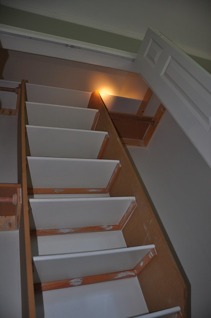 Separate Small Stair For Dressing Room