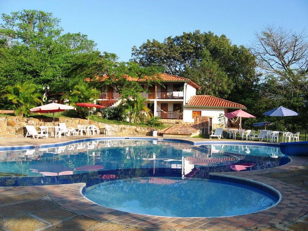 Hotel san marcos en san gil santander colombia la - Piscinas en santander ...