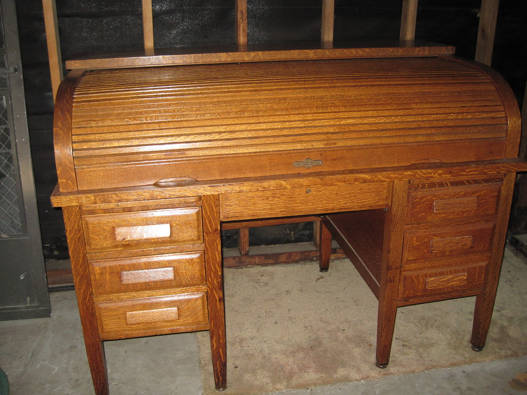 Antique DERBY CO. Oak Roll Top Desk