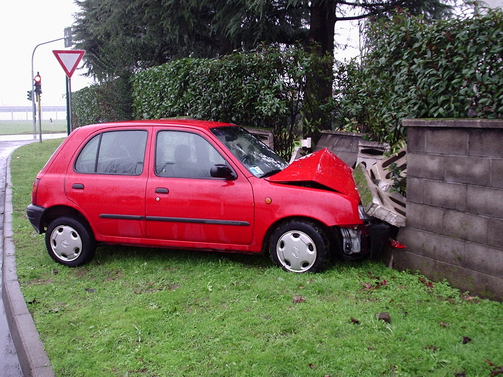 Nissan Micra Wall Crash Uberto Flickr