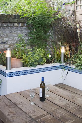 The moroccan courtyard garden by earth designs for Moroccan style garden ideas