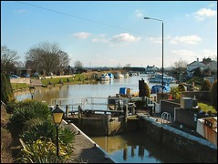 The Fossdyke at Torksey Lock, Lincolnshire | by Lincolnian (Brian) - BUSY, in and out