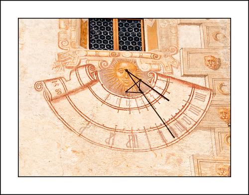 how to create a sundial