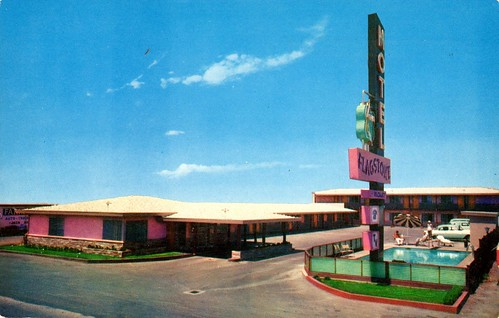Flagstone Motel - Sacramento, California | by The Cardboard America Archives