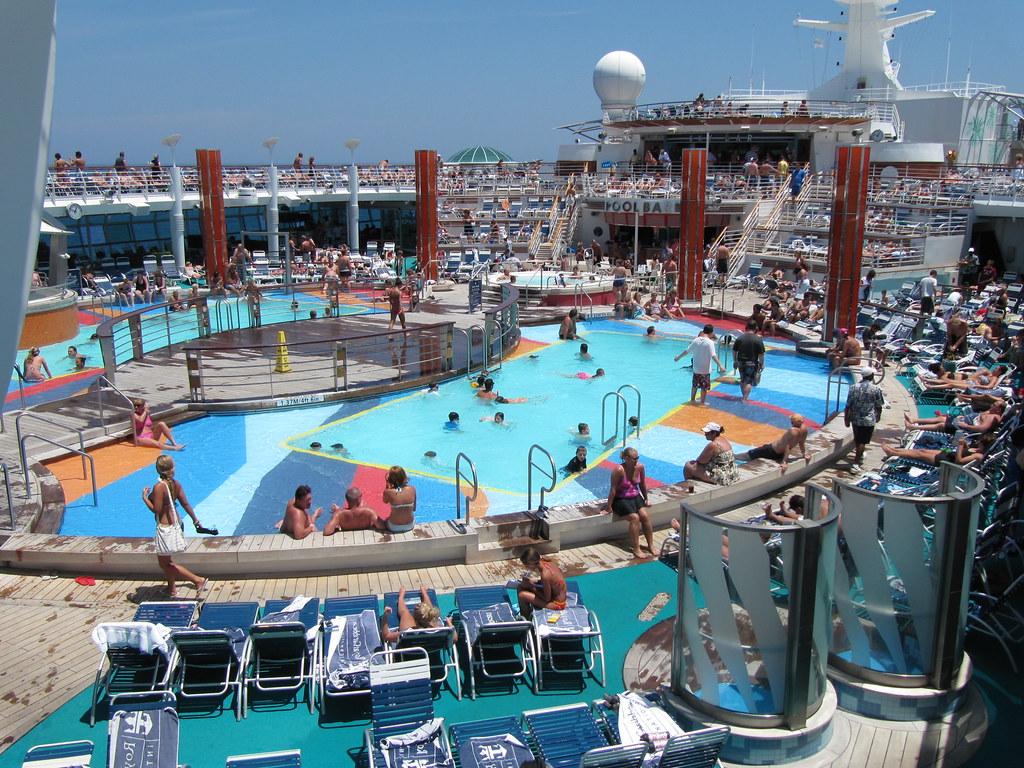Royal Caribbean Liberty Of The Seas Main Pool Sue Flickr