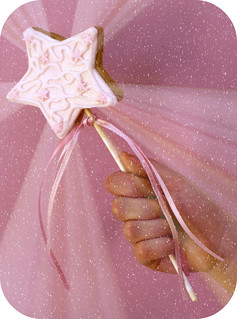 fairy wand | by neviepiecakes