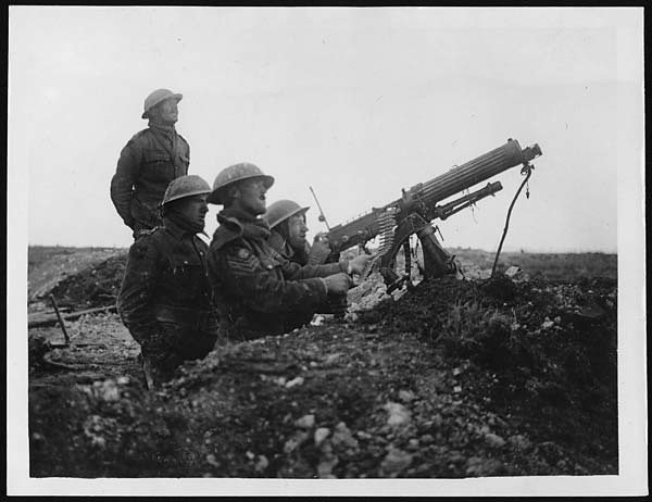 Machine Gun World War 1 Machine gun firing at a boche