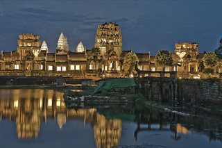 Angkor Wat at Night | by Discaciate