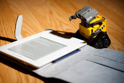 I guess it makes sense for a robot to read an e-book [401] | by brianjmatis