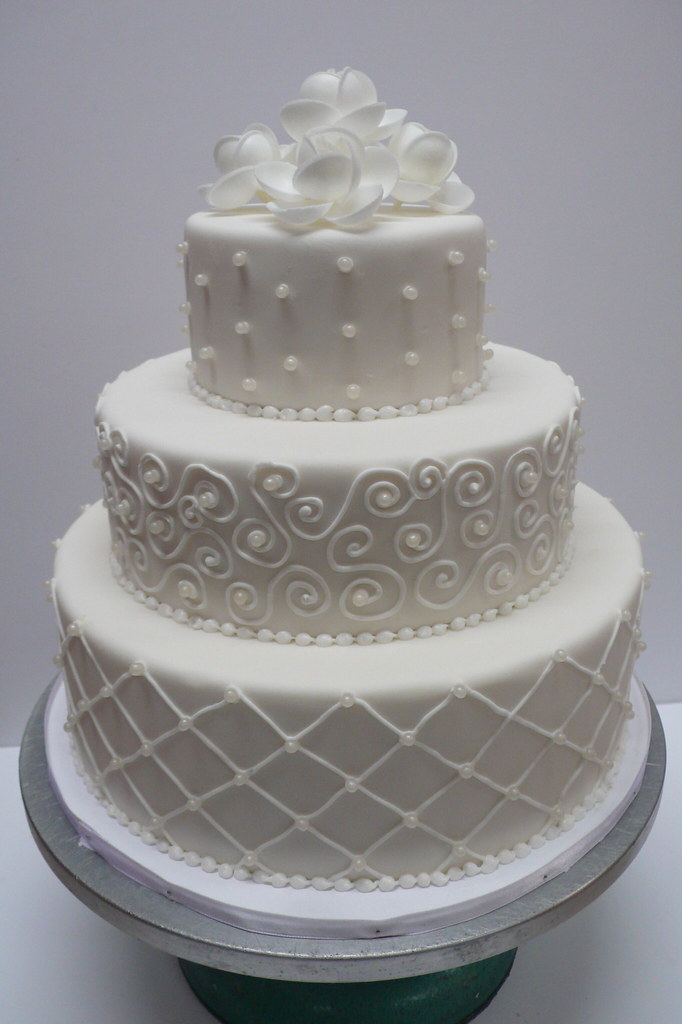 how to make a white wedding cake from scratch classic white fondant wedding cake zoe elizabeth 15914