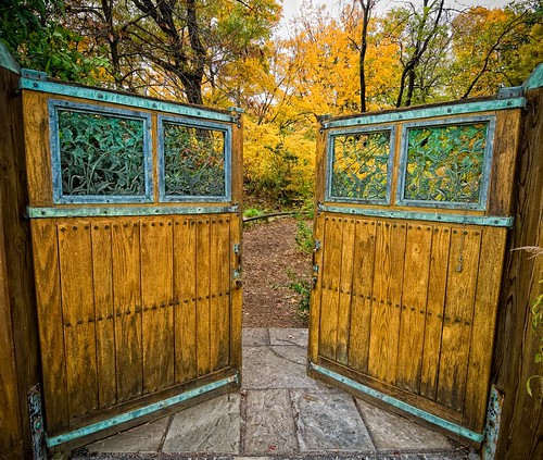 Native Flora gate | by Brooklyn Botanic Garden