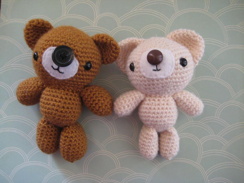Amigurumi Beard : Amigurumi Bear Pair a pair of amigurumi bears with ...