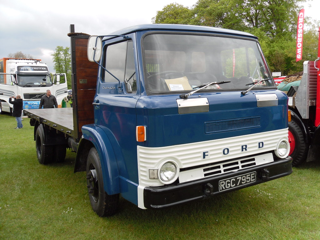 1967 FORD D SERIES 5 42 DIESEL FLATBED LORRY