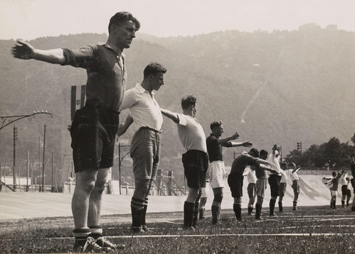 Nederlands elftal traint voor WK 1934 / Dutch national team in training for 1934 World Cup | by Nationaal Archief