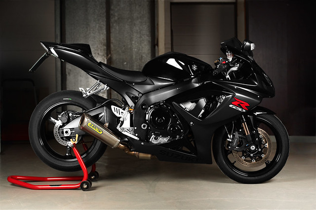 suzuki gsx r 750 k6 muchos photoshopping because of very. Black Bedroom Furniture Sets. Home Design Ideas