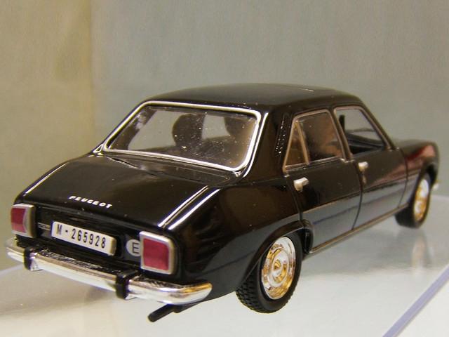 peugeot 504 les voitures de james bond 007 peugeot 504 l flickr. Black Bedroom Furniture Sets. Home Design Ideas