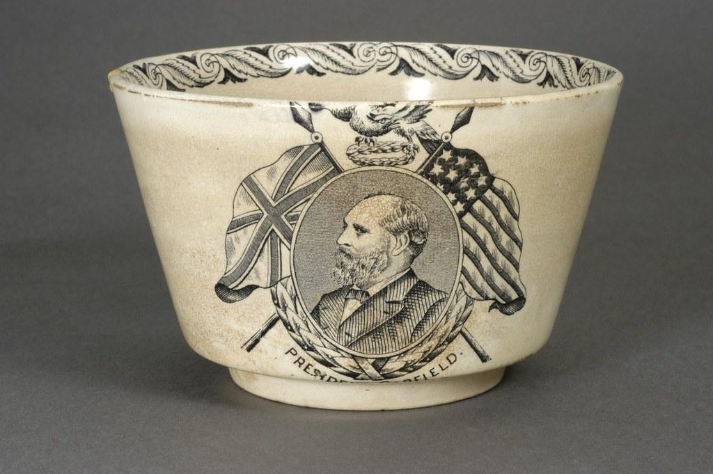 Garfield Ceramic Memorial Bowl Ca Collection Corne Flickr - Ceramic memorial photos