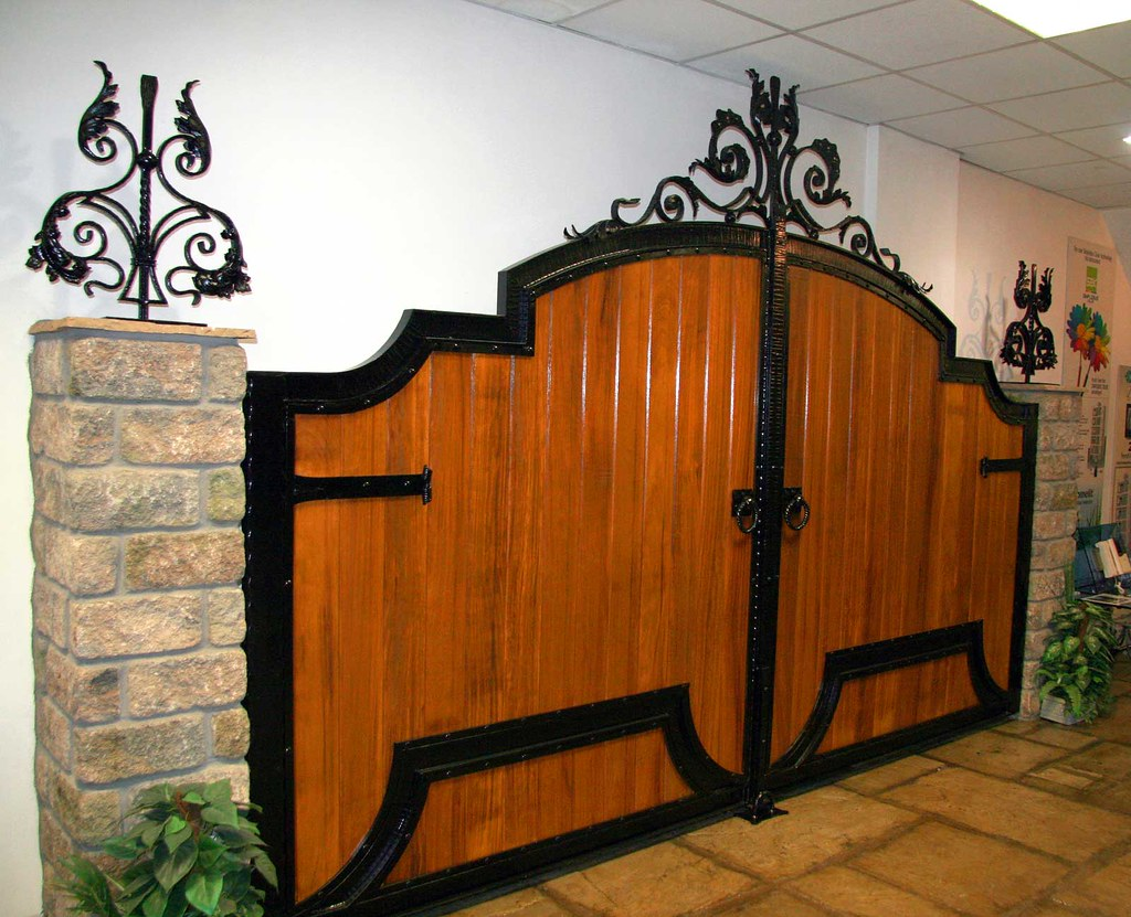 Wooden gate design showroom 012 with the biggest for Wooden garden gates designs
