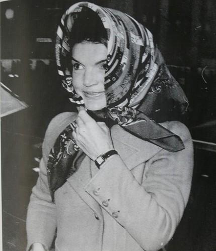 jackie kennedy onassis jackie o in herm 232 s foulard55