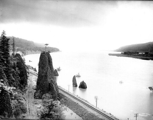 Pillars of Hercules, Columbia River Gorge, Oregon | by UW Digital Collections