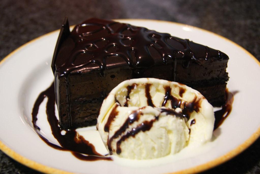 Momento Chocolate Cake with Vanilla Ice Cream | Leeny K ...