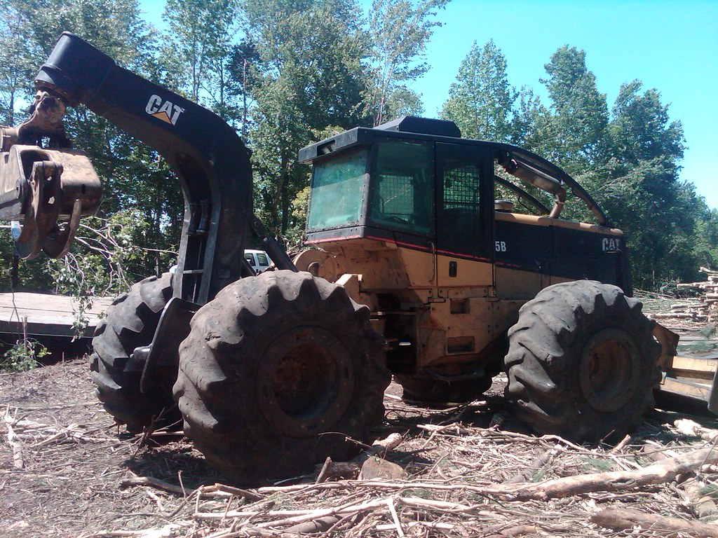 CAT 525B Skidder with Winch in NC 03 | Solid skidder availab