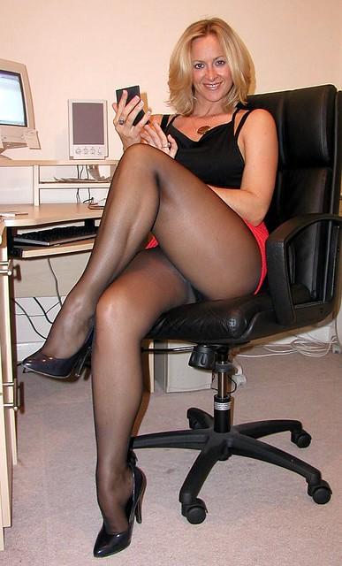 фото голых старых секретарш