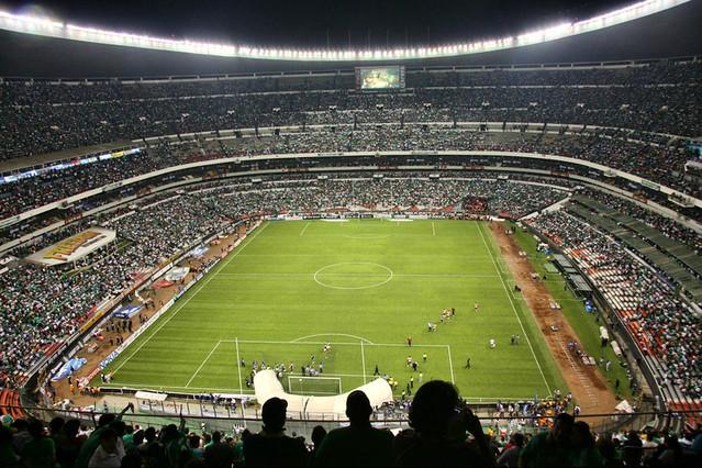 Estadio azteca mexico d f eliminatoria mundialista 2010 for Puerta 1 estadio azteca