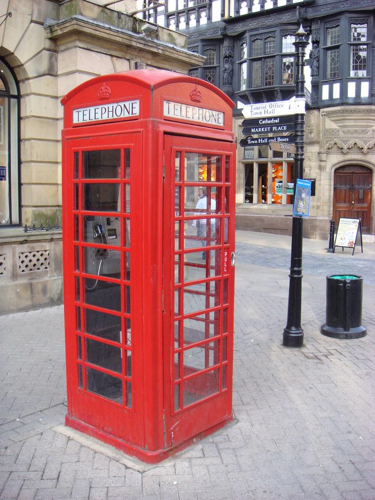 Immancabile anche la tipica cabina telefonica inglese flickr for Cabina telefonica inglese arredamento