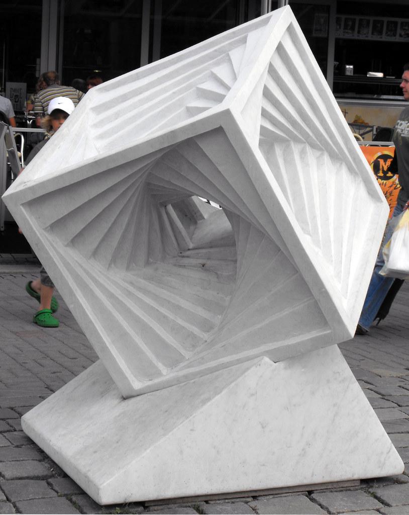 814 x 1024 jpeg 198kBSculpture