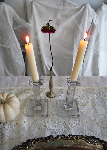 halloween decorating table ideas+wilted flower+candlesticks+white pumpkin+ghost table | by ...love Maegan