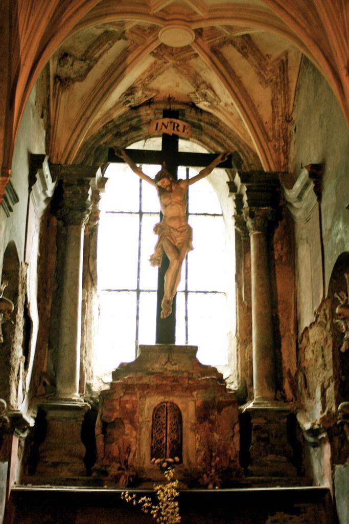 bone church crucifix | Brendan Stasiukiewicz | Flickr