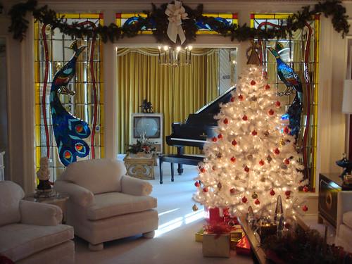 Christmas At Elvis Presley S Graceland Elvis Living Room Jeska Flickr