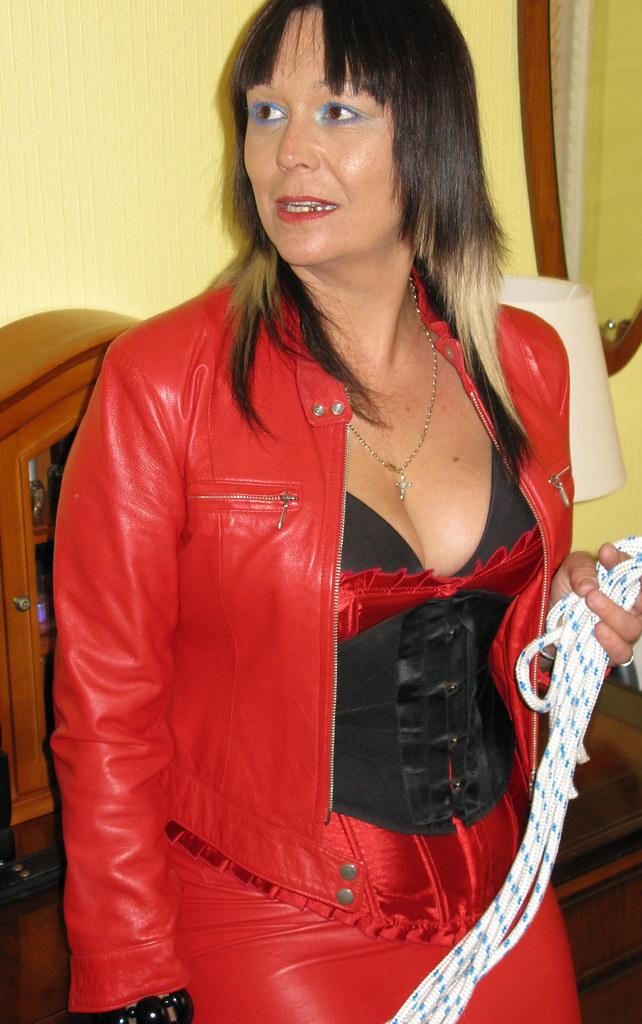 Img1087  Mistress Lucinda  Flickr-5273