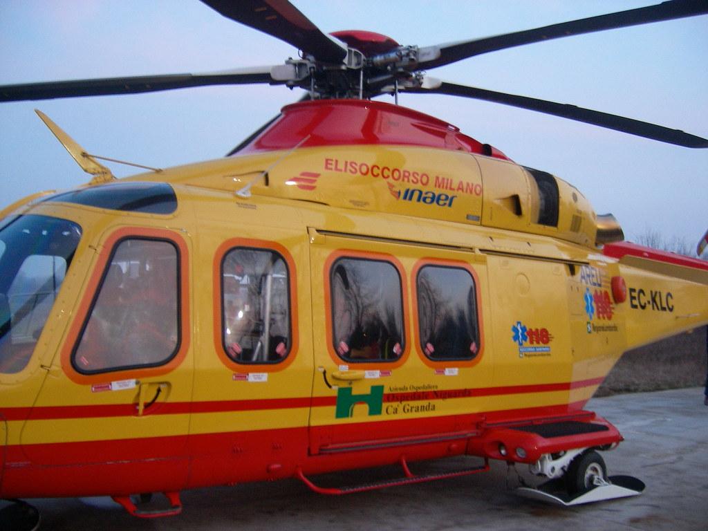 Elicottero Milano : Elisoccorso del 118 milano ec klc elisoccorso ec klc dellau2026 flickr